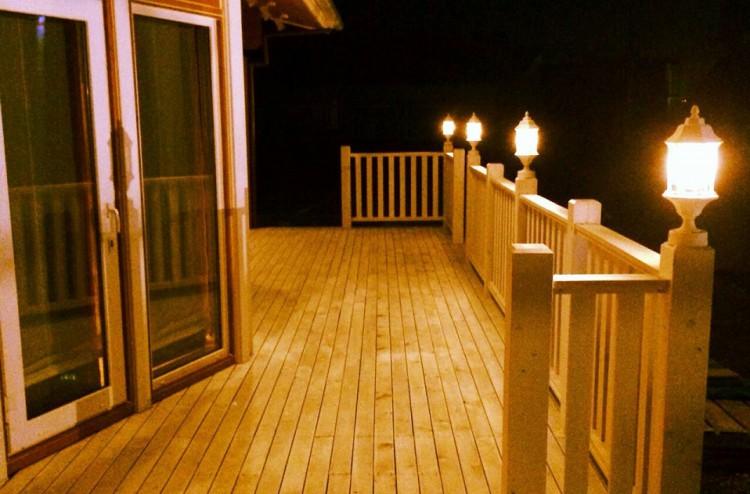 夜のログハウス写真