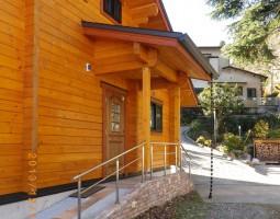 ログハウスの外観写真