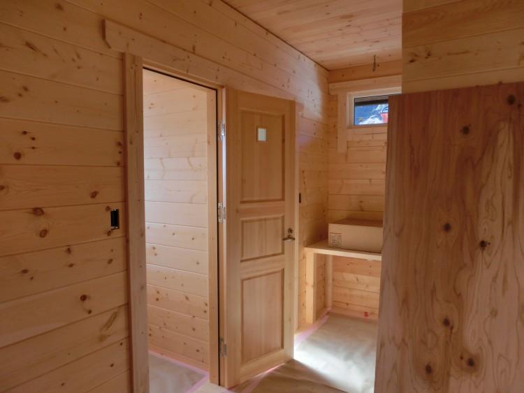 ログハウス 内装写真 ドア