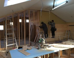 内部工事も急ピッチで進行中です。IMG_1344